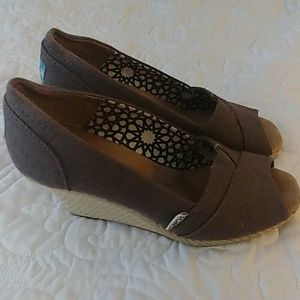 Toms Dark Grey Wedges